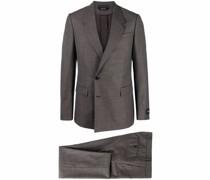 Anzug mit versetzten Knöpfen