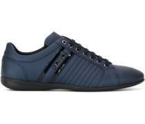 Sneakers mit Besatzstreifen