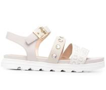 Verzierte Sandalen mit Schnalle