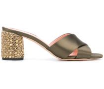 Sandalen mit überkreuzten Riemen
