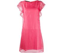 Ausgestelltes Kleid mit Lochstickerei