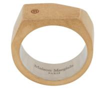 Spitz zulaufender Ring