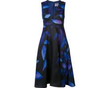 Ausgestelltes Kleid mit tiefem V-Ausschnitt