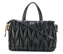 Handtasche mit Matelassé-Flechttechnik