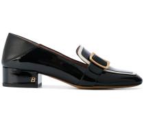Loafer mit goldfarbener Schnalle