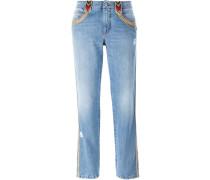 Jeans mit bestickten Borten