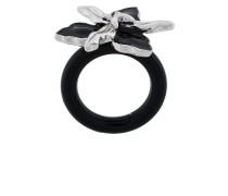 Ring mit floralem Design