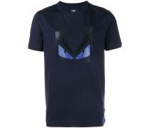 """T-Shirt mit """"Bag Bugs""""-Verzierung"""