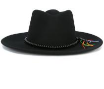 Hut mit Schmuckperlenband