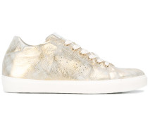 Distressed-Sneakers im Metallic-Look - women