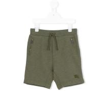 Shorts mit Logostickerei