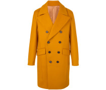 broad lapels double-breasted coat