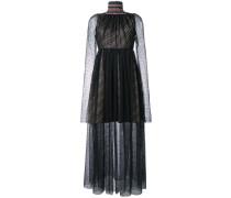 Semi-transparentes Kleid mit Perlenverzierung