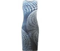 Plissiertes Kleid mit figurbetonter Passform