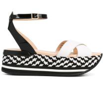 Flatform-Sandalen mit Knöchelriemen - women