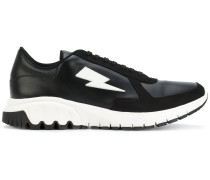 Thunderbolt Urban Runner sneakers