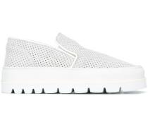 Slip-On-Sneakers mit geriffelter Sohle