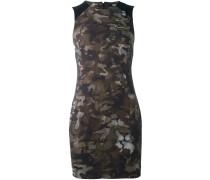 Figurnahes Kleid mit Camouflage-Print