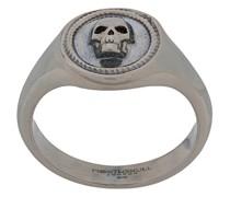 Kleiner 'Atticus' Ring mit Totenkopf