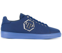 'End' Sneakers