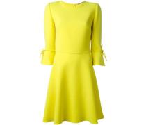 Kleid mit Schleifchen
