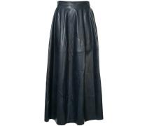 Curvature skirt