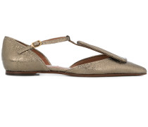 pointed toe ballerinas