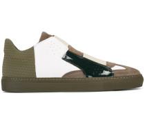 Sneakers aus Leder und Wildleder