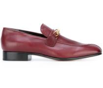 Loafer mit goldfarbener Spange