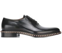 Derby-Schuhe mit Nietenbesatz