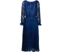 Kleid mit gepunktetem Saum