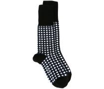 Socken mit Gittermuster