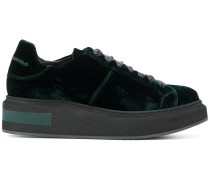 Samt-Sneakers mit Schnürung