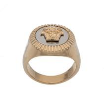 Emaillierter Ring mit Medusa