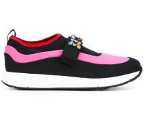Sneakers mit Applikationen - women