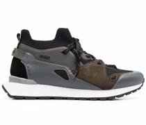Sneakers im Retro-Look