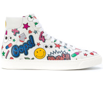 High-Top-Sneakers mit Sticker