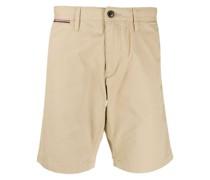 Shorts mit eingefassten Taschen