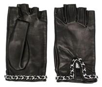 Handschuhe mit Kettenriemen