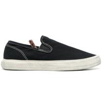Slip-On-Sneakers mit Kontrastnähten
