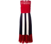 Semi-transparentes Kleid mit Falten