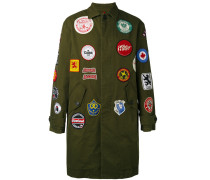 Military-Mantel mit Patches