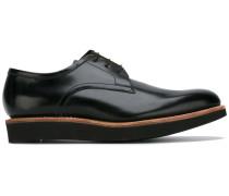 Derby-Schuhe mit Schnürung