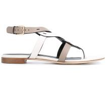Gewebte Sandalen mit T-Riemen