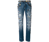 Jeans in Distressed-Optik mit Knopfdetail