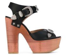 Sandalen mit Plateaussohle