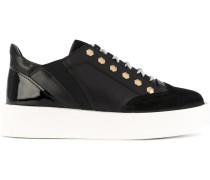 Kontrastierende Sneakers