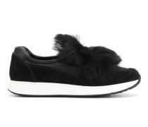 Slip-On-Sneakers mit Pelzbesatz