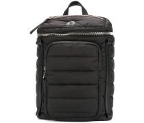 Gefütterter Rucksack mit Reißverschlusstaschen