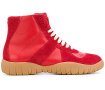 High-Top-Sneakers mit Tabi-Kappe
